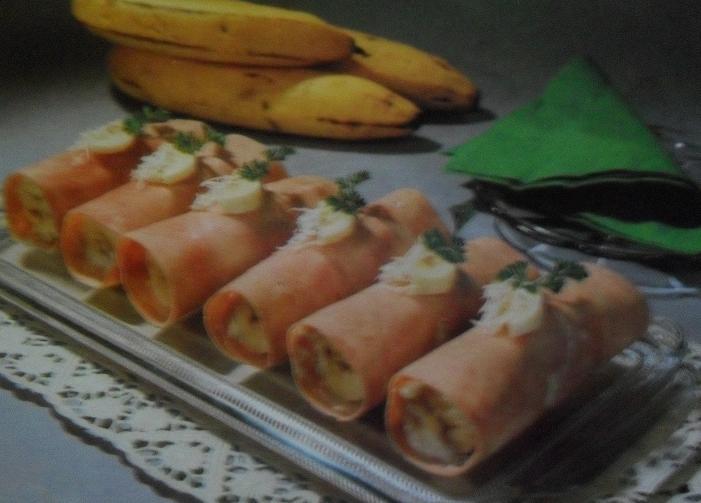 Завитки из ветчины с бананами