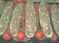 Фаршированные огурцы в томатном соусе