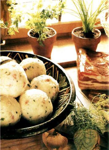 Клецки из картофеля с салом