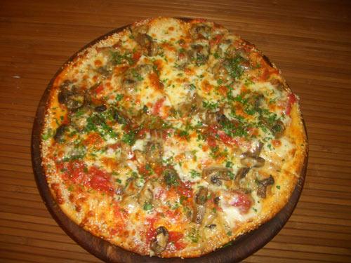 Пицца с шампиньонами «Каприччиоза»