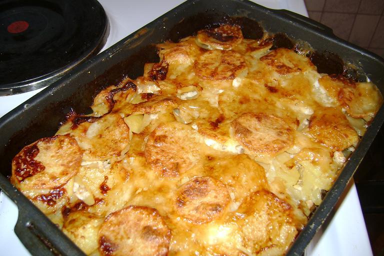 Картошка с мясом в духовке без сыра рецепт с фото пошагово