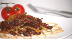 Говядина с яичными кружевами по-китайски