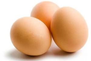 Как выбрать свежие яйца